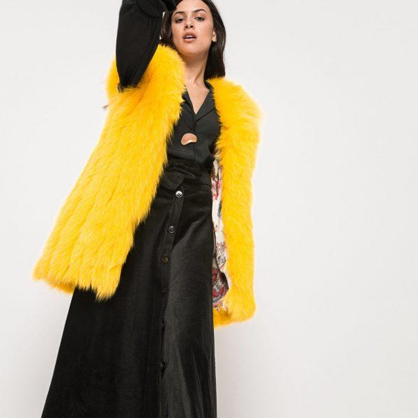 Chaleco de piel de zorro, color amarillo